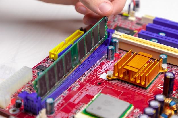 Computer ram, systeem, hoofdgeheugen, willekeurig toegankelijk geheugen, aan boord, computerdetail