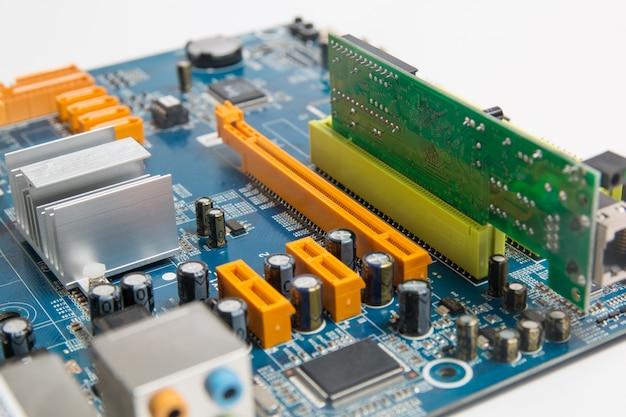 Computermotherboard met elektronikachip