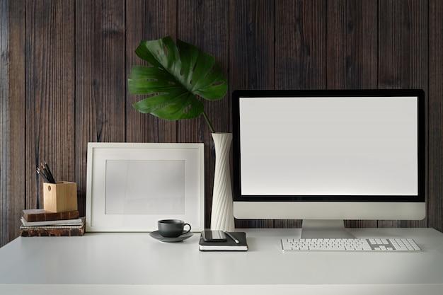 Computerscherm en kantoorgadget