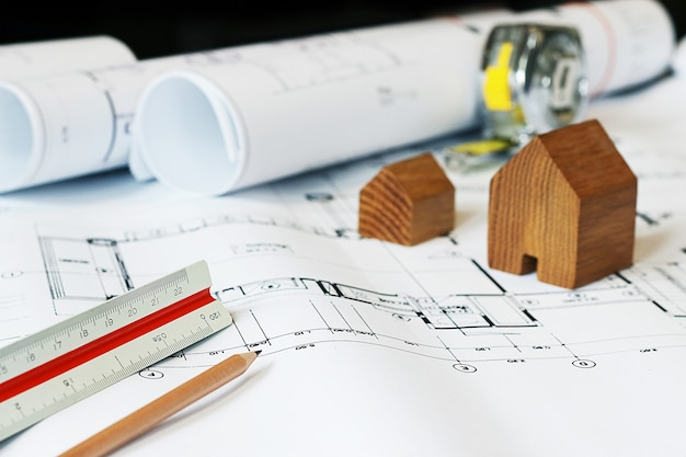 Concept architecten, architect bezig met blauwdruk