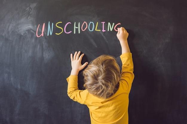 Concept unschooling home leren terug naar school