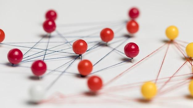 Concept van communicatie met pinnen close-up