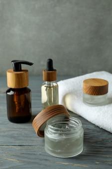 Concept van de hygiëneprogramma's van mannen op houten tafel