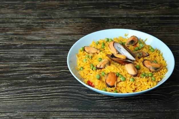 Concept van heerlijk eten met spaanse paella
