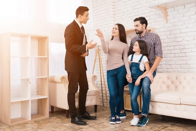 Concept van het kopen van huis. onroerend goed kopen.