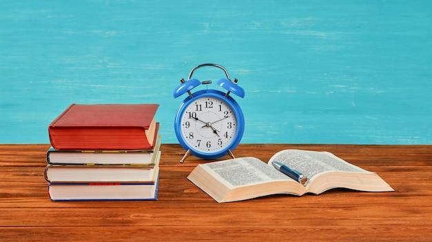 Concept van leren en ontwikkelen en voorbereiding op examens.