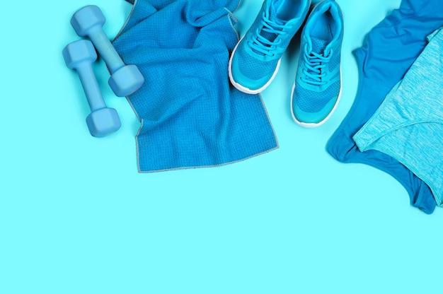 Concept van sportieve levensstijl in blauwe kleurenspectrum