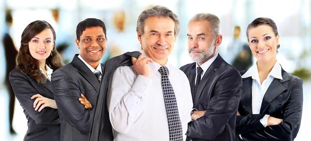 Concept van teamwork en partnerschap met een groep zakenmensen