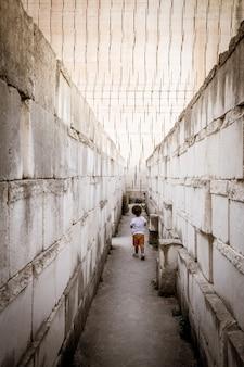 Concept voor kindertijd: eenzaamheid, depressie, ongelukkig, eenzaamheid, probleem.
