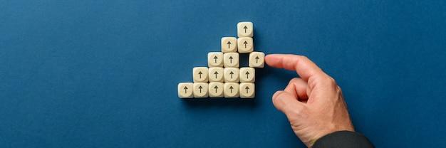 Conceptueel beeld van financieel succes en groei