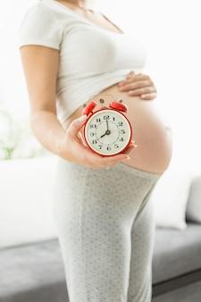 Conceptuele tijd om baby geboren te worden