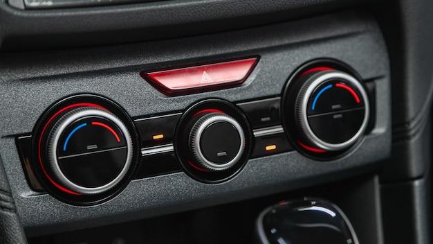 Conditioner en luchtstroomregeling in een moderne auto