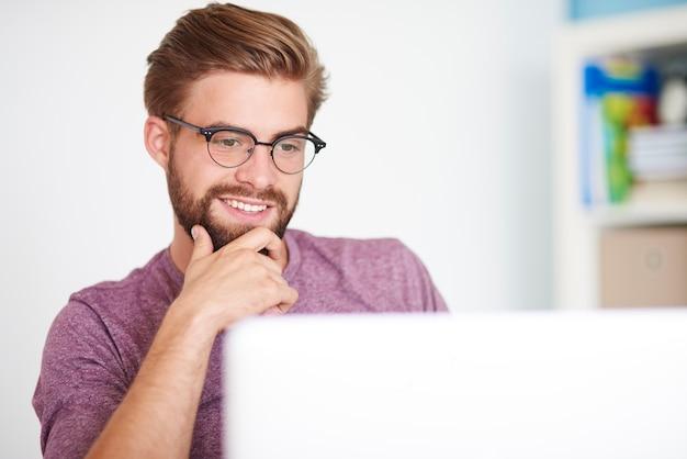 Contact opnemen met vrienden via de computer