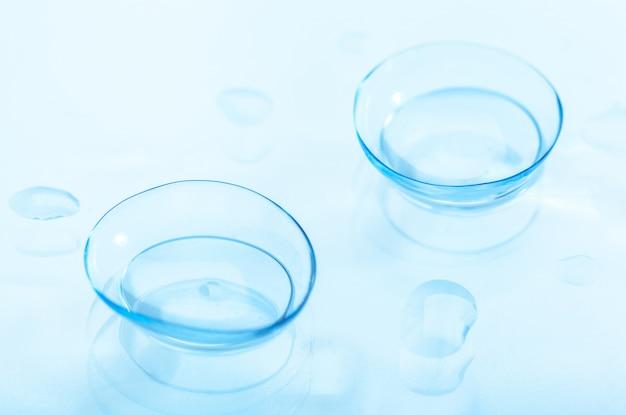 Contactlenzen met waterdruppels