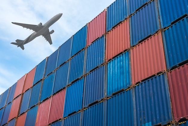 Containerbox in logistieke zone