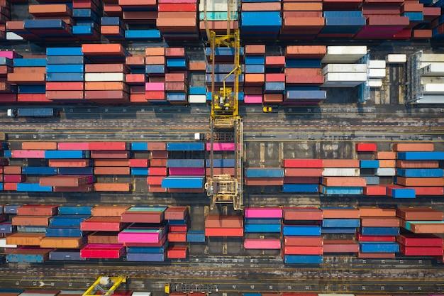 Containers magazijn gebied luchtfoto bovenaanzicht