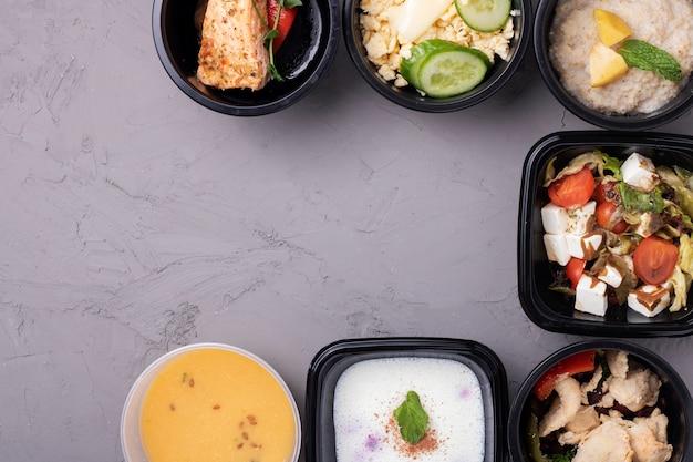 Containers met klaarmaaltijd