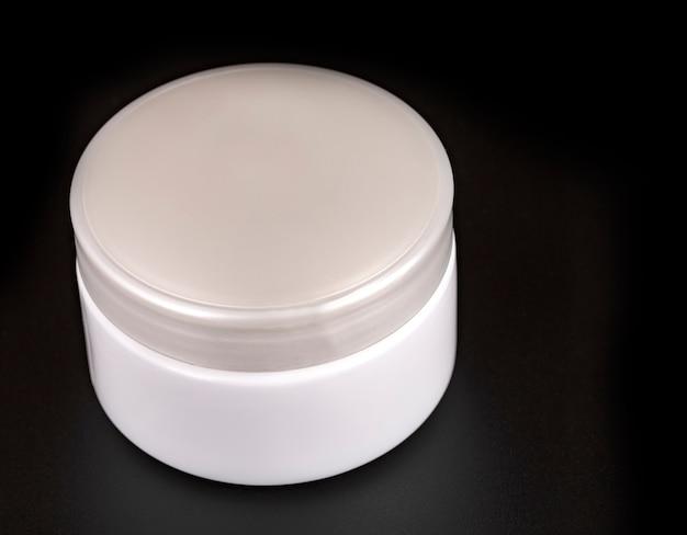 Containers voor schoonheidscrème