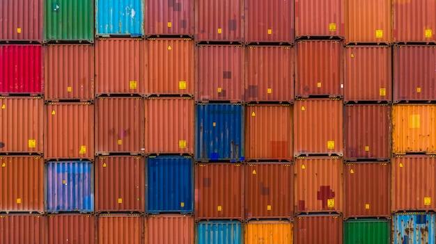 Containerstapelachtergrond, stack van container, logistieke import export-zaken.