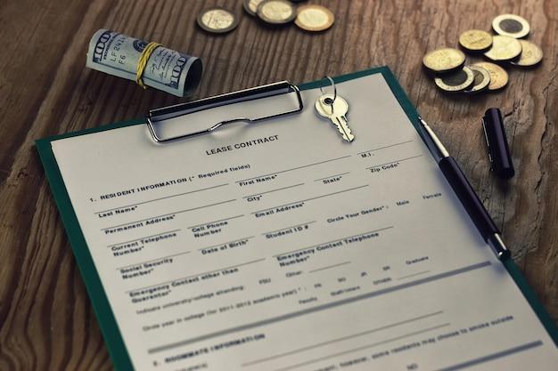 Contract lease sleutel geld pen