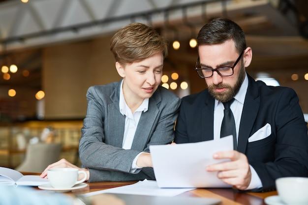 Contractvoorwaarden bespreken