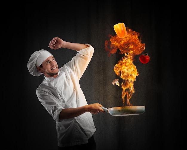 Cook chef met een grote explosie in de keuken