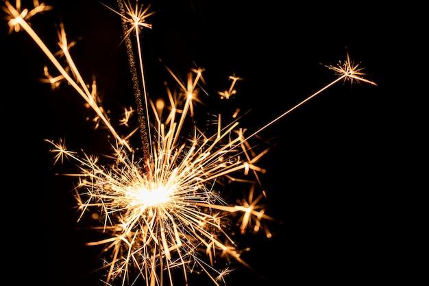 Copy-space nieuwjaarsfeest met vuurwerk