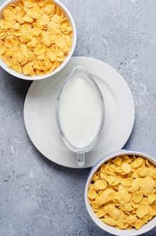 Cornflakes en melk. gezond dieet