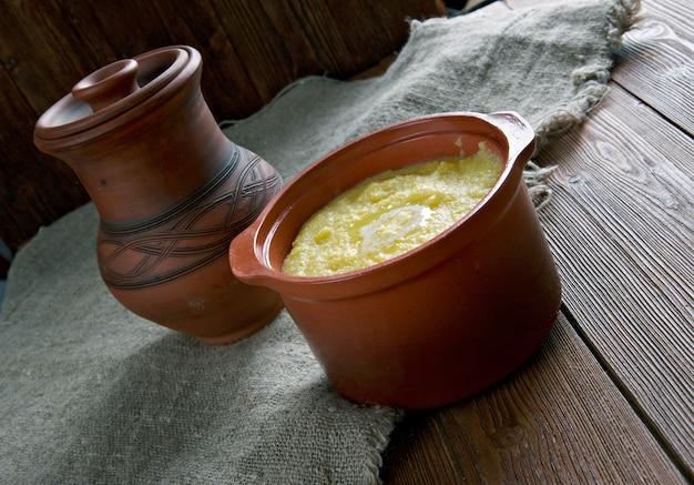 Cornmeal pap - afrikaanse pap zachte polenta.in botswana