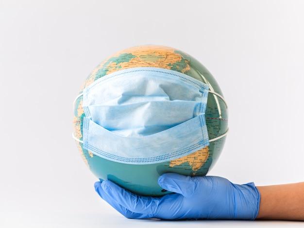 Coronavirus 2019-ncov. concept beschermt de wereld