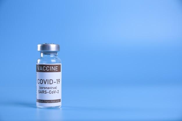 Coronavirus-vaccin ampul met covid-19
