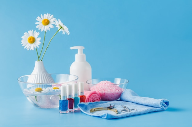 Cosmetica dagelijkse hygiëne. badkameraccessoires, zeepdispenser