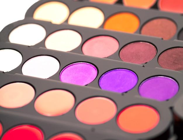 Cosmetica. kleurrijk oogschaduwpalet.