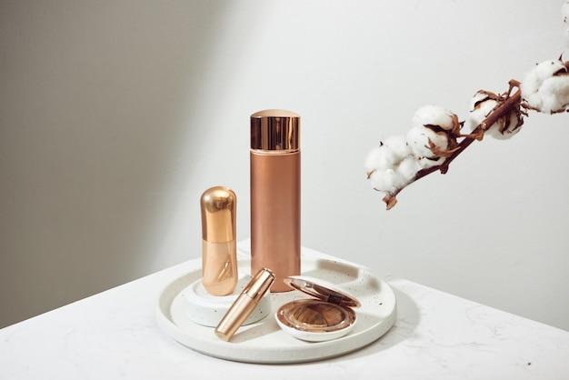 Cosmeticapakketten ontwerpen schoonheidsproducten