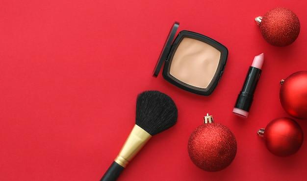 Cosmetische branding fashion blog cover en girly glamour concept make-up en cosmetica product set voor beauty merk kerst verkoop promotie luxe rode flatlay achtergrond als vakantie ontwerp