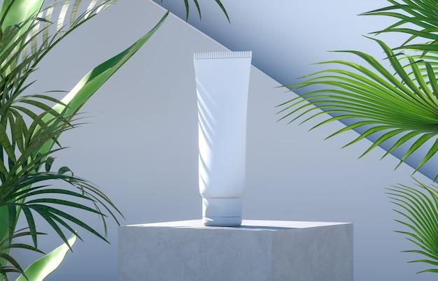 Cosmetische buis op een cementpodium met palmbladeren