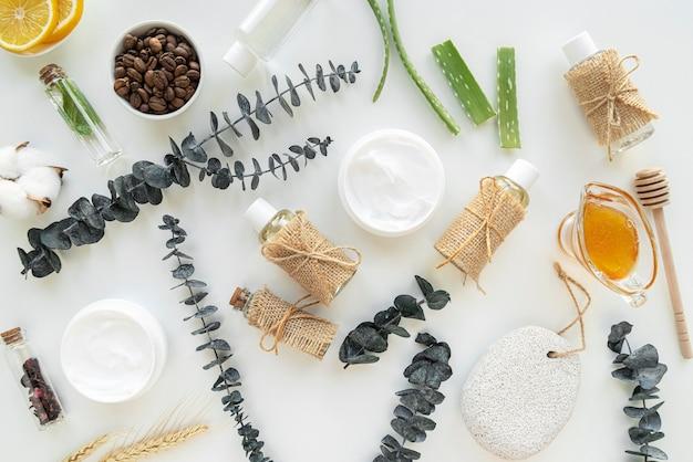 Cosmetische producten behandeling op het bureau