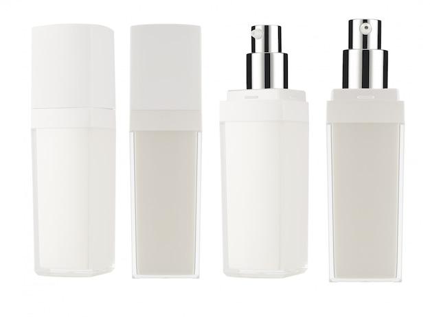Cosmetische producten mock-up op een witte achtergrond. cosmetische pakketverzameling. geïsoleerd.