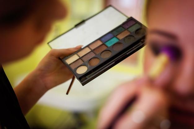 Cosmetische schoonheidsprocedures en make-overconcept