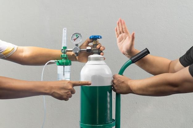 Covid-19 crisis, zuurstoftekort cilinder