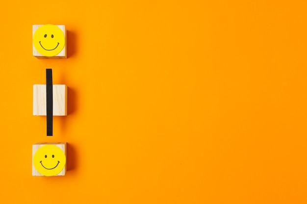 Covid-concept met kubussen boven weergave