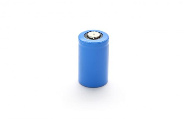 Cr2 lithiumbatterij op wit wordt geïsoleerd dat