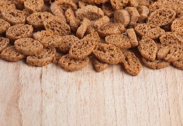 Crackers stukjes gedroogd brood