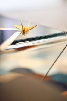 Crane gemaakt van papier