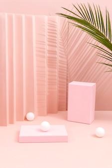 Creatief assortiment van minimalistisch podium
