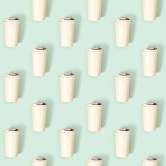 Creatief naadloos patroon met herbruikbare eco koffiekop zero waste neem grote mok mee voor drankjes
