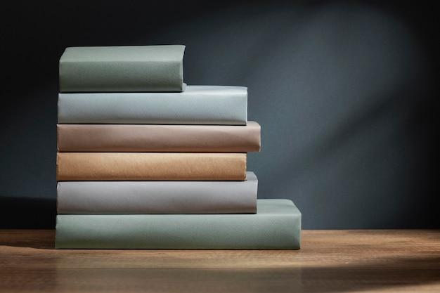 Creatief verschillende boeken arrangement