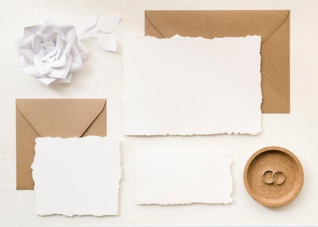 Creatieve bruiloft briefpapier plat lag