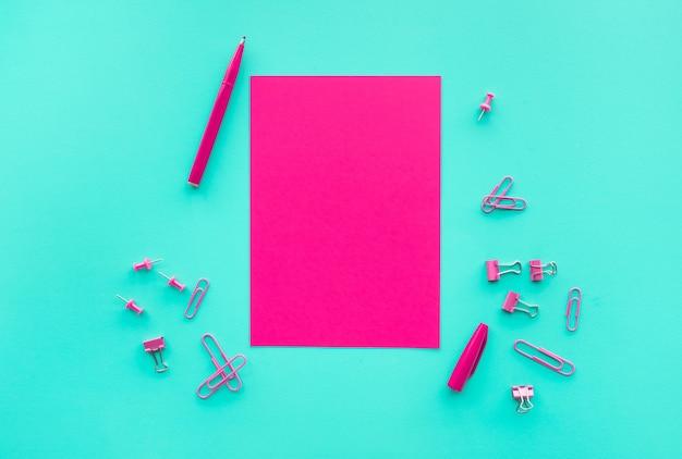Creativiteits- en inspiratie-ideeën met papier en pen