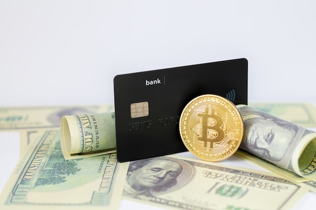 Creditcard en bitcoin op dollarbankbiljetten
